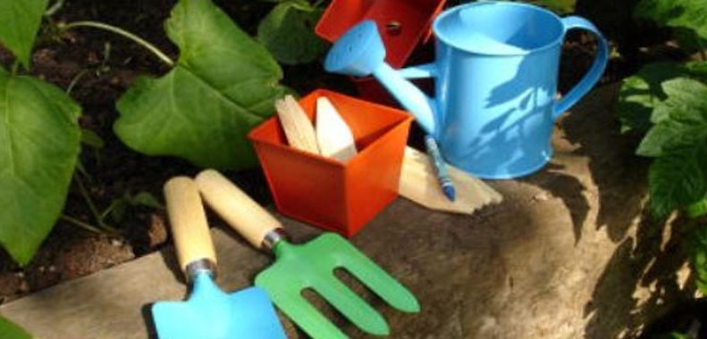 best gardening set for toddlers