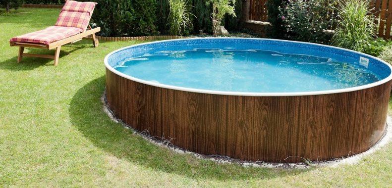 drain above ground pool using garden hose